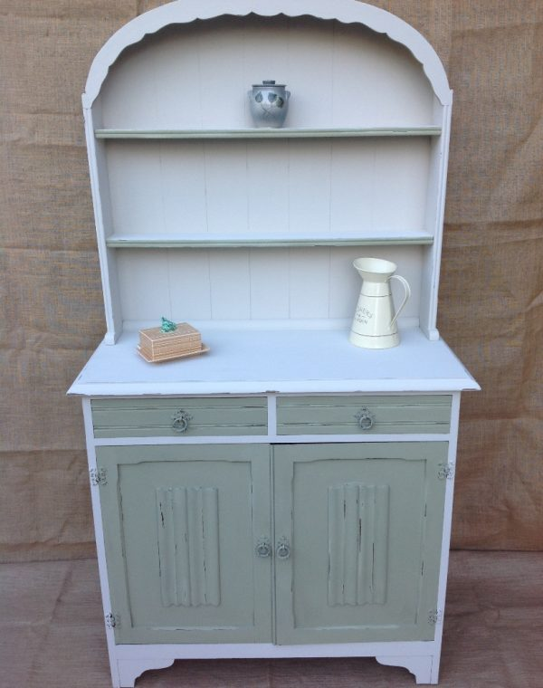 Dresser with two drawers and two cupboards.. Painted with Autentico Chalk Paint