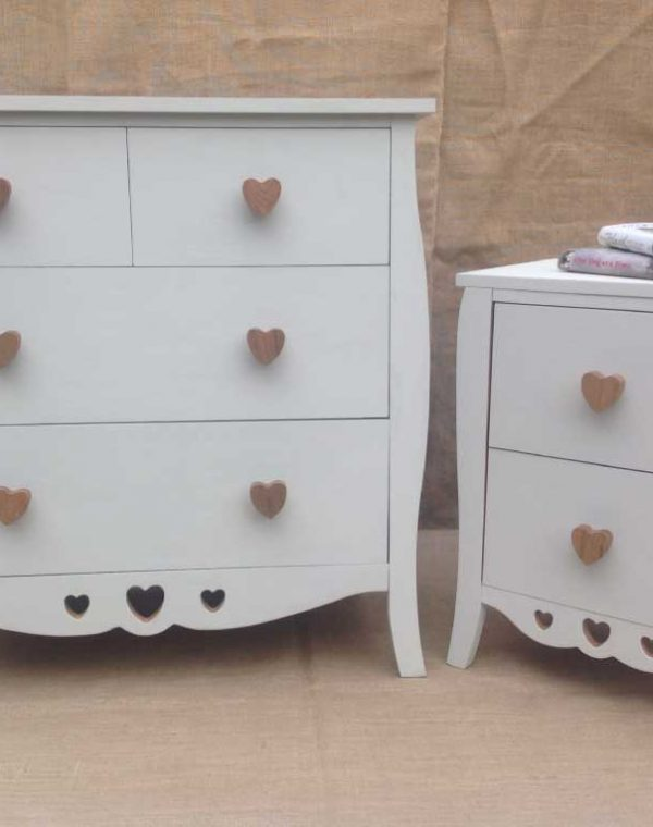 Chest of drawers two over two, with matching side cabinet. Pretty heart shaped handles