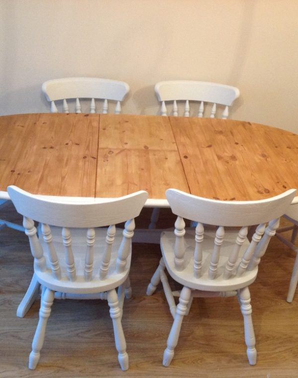 Solid pine butterfly leaf table with 6 pine chairs. Painted with Autentico chalk paint in colour 'Chalk Grey' ( outdoor range).